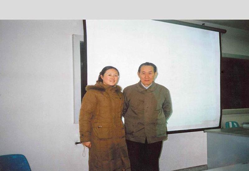 创始人顾芹女士与反射学专家、著名中医学教授张文平先生合影